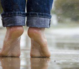 Fußpilz vorbeugen: Wie Sie sich schützen können