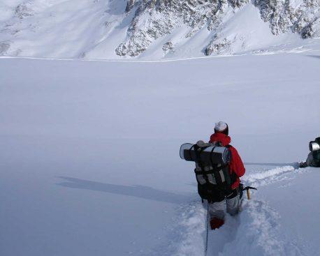 Wie werden Schneefelder gequert?