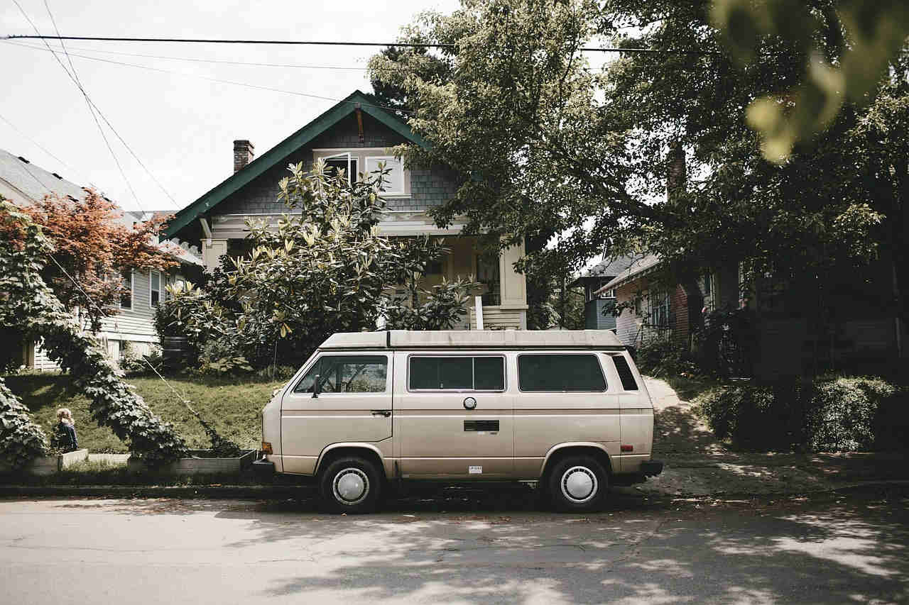 Bus ausbauen: Anleitung zum perfekten DIY Van